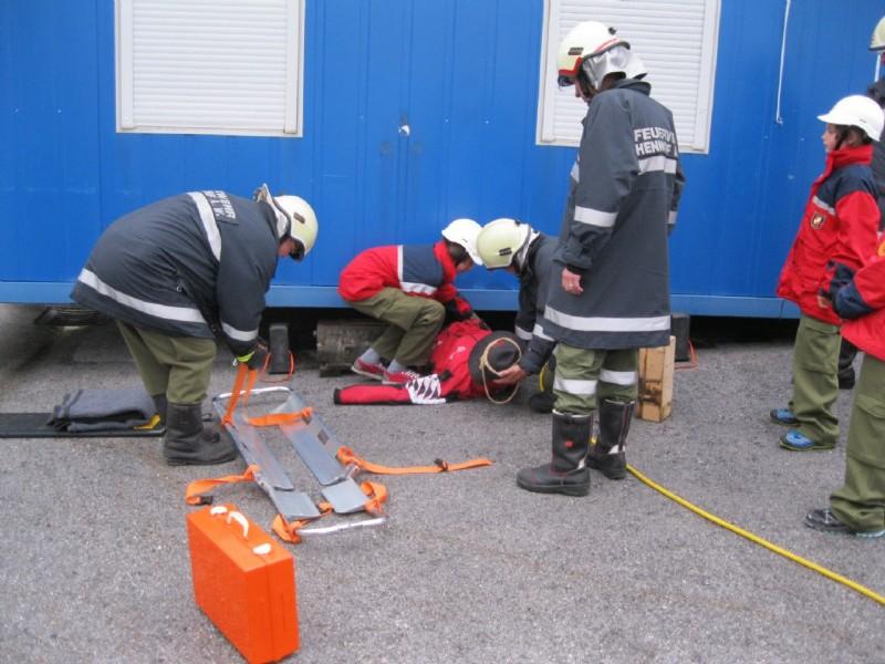 Übung der Feuerwehrjugend Henndorf auf unserem Betriebsgelände